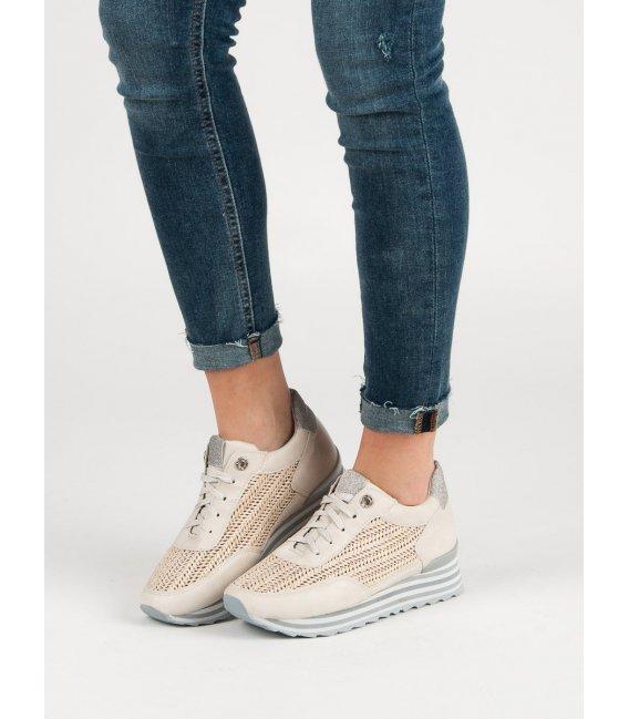 Sneakersy so vzorom