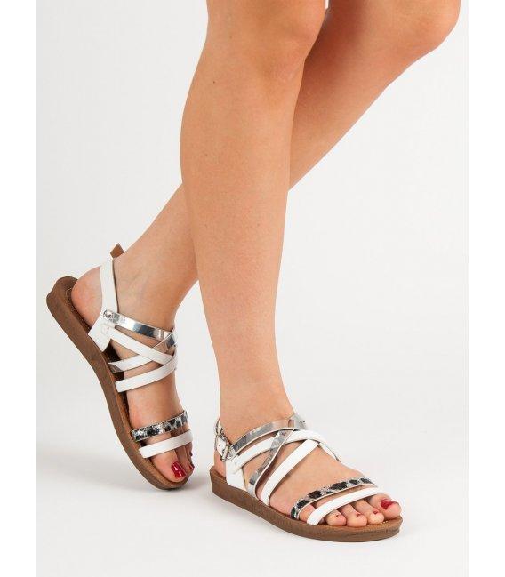 Módne biele sandálky