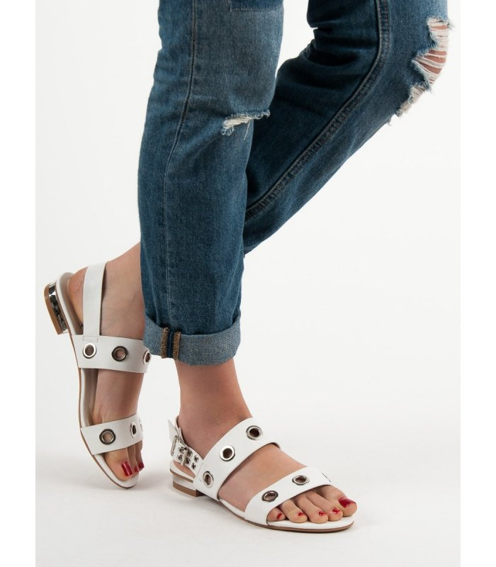 b5746b86a209 Neformálne biele sandále - MojeBoty.sk