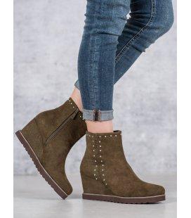 Zelené topánky na stĺpci