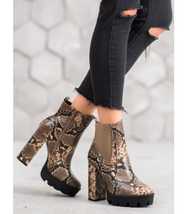 Vysoké členkové topánky s hadím vzorom