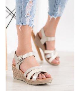 Ľahké sandálky z eko kože