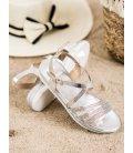 Pohodlné strieborné sandálky