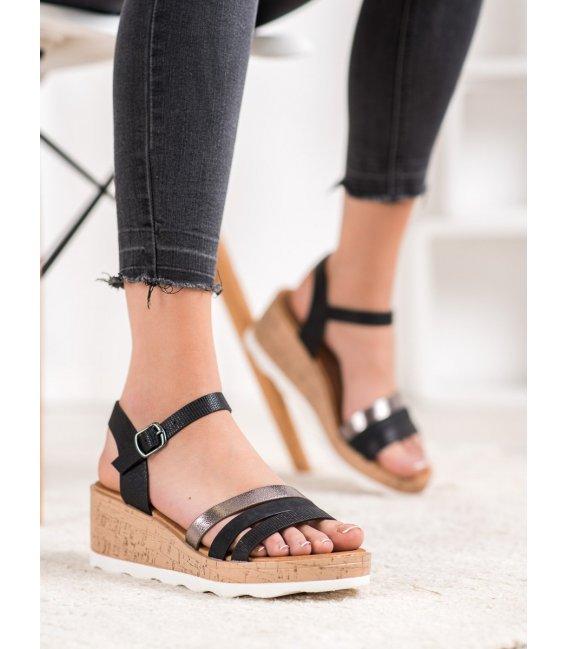 Čierne sandálky na kline