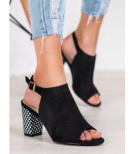 Otvorené sandále s károvaným podpätkom