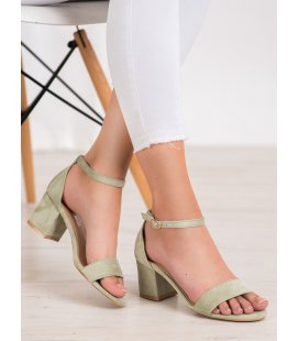 Pohodlné sandálky na stĺpci