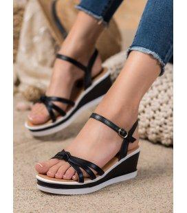 Neformálne sandálky na kline z eko kože