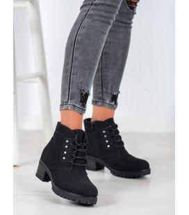Šnurovacie členkové topánky na stĺpci