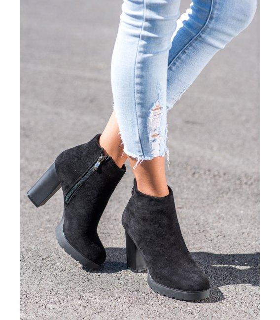 Členkové topánky s matným podpätkom