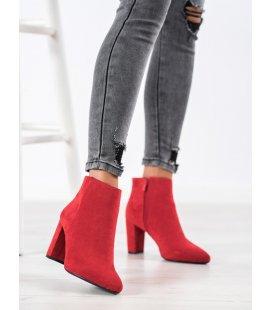 Červené semišové členkové topánky
