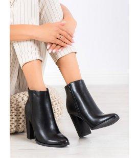 Semišové členkové topánky so zdobením