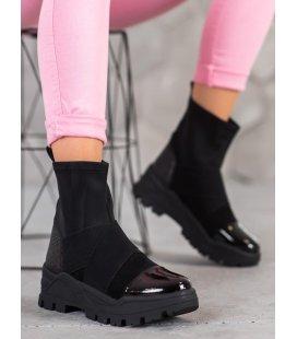 Nazúvacie členkové topánky