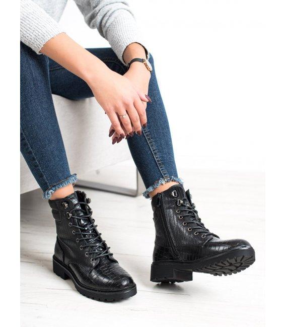 Šnurovacie topánky so vzorom