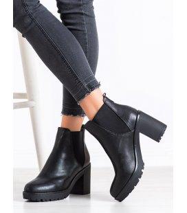 Klasické topánky na platforme