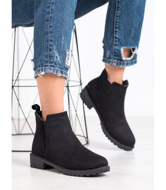 Teplé čierne topánky