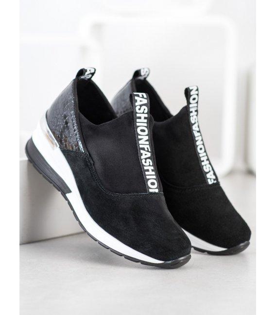 Nazúvacie sneakersy z kože
