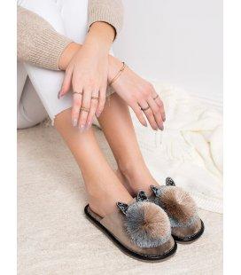 Štýlové papuče s brombolcom