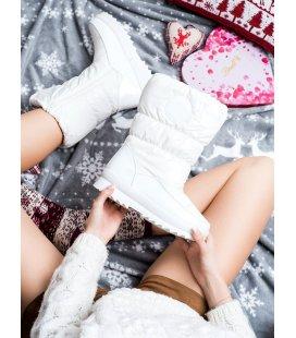 Pohodlné biele snehule