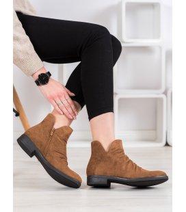 Neformálne členkové topánky zo semišu