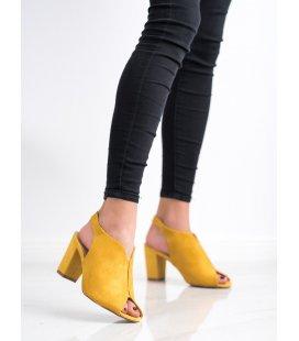 Sandále na stĺpci