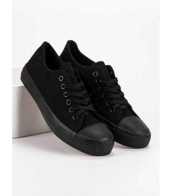 Klasické čierne tenisky