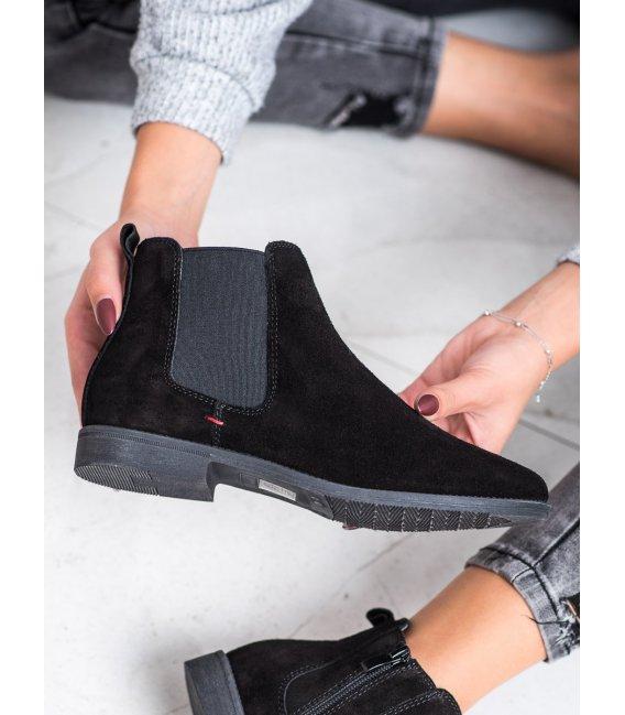 Neformálne členkové topánky z kože