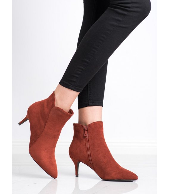 Semišové členkové topánky na podpätku