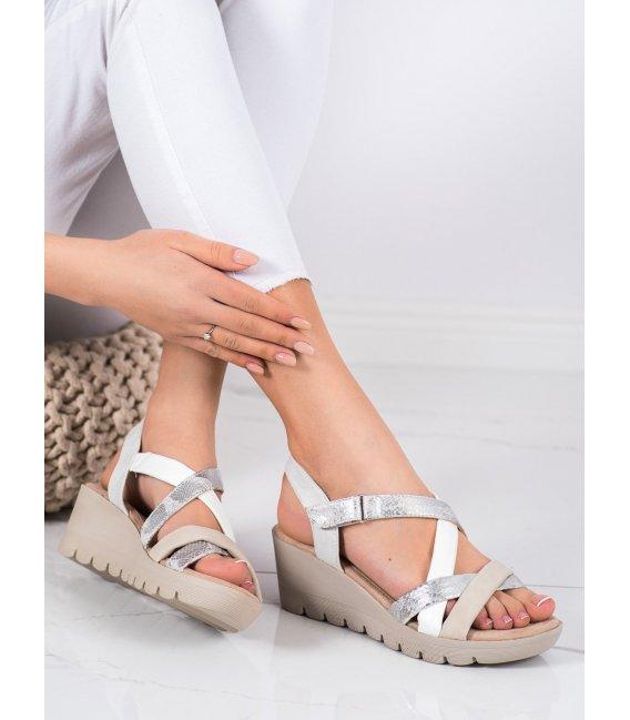 Ľahké sandálky na suchý zips