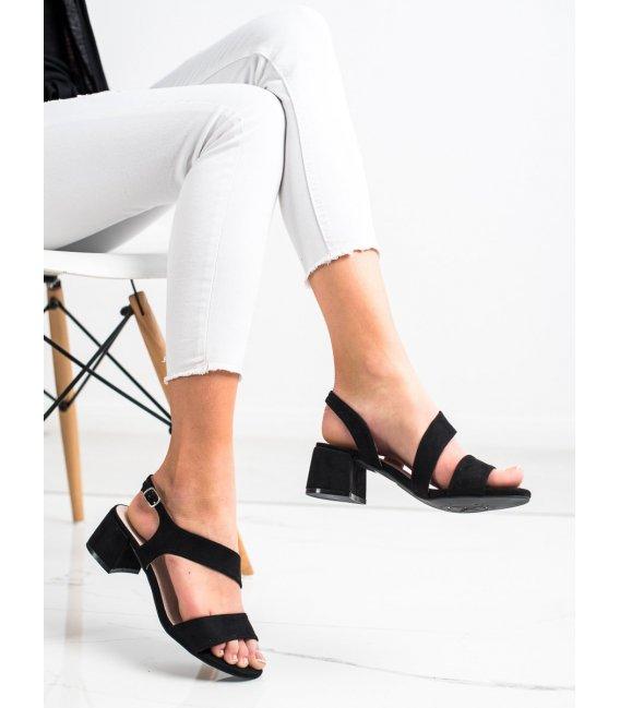 Čierne sandálky na nízkom stĺpci
