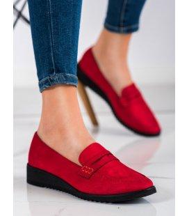 Elegantné červené mokasíny