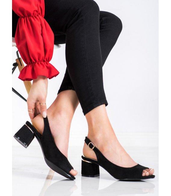 Neformálne sandálky na stĺpci