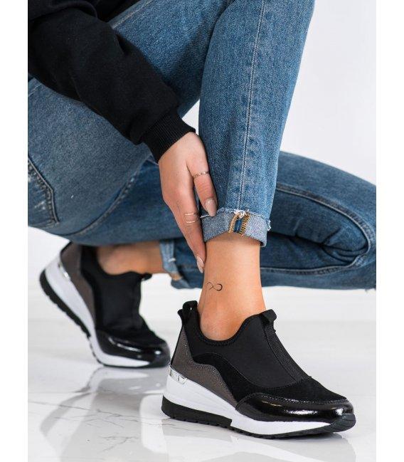Kožené sneakersy na platforme