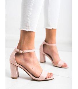 Púdrové sandálky na stĺpci