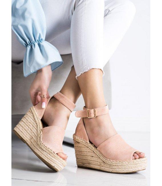 Púdrové sandálky na kline