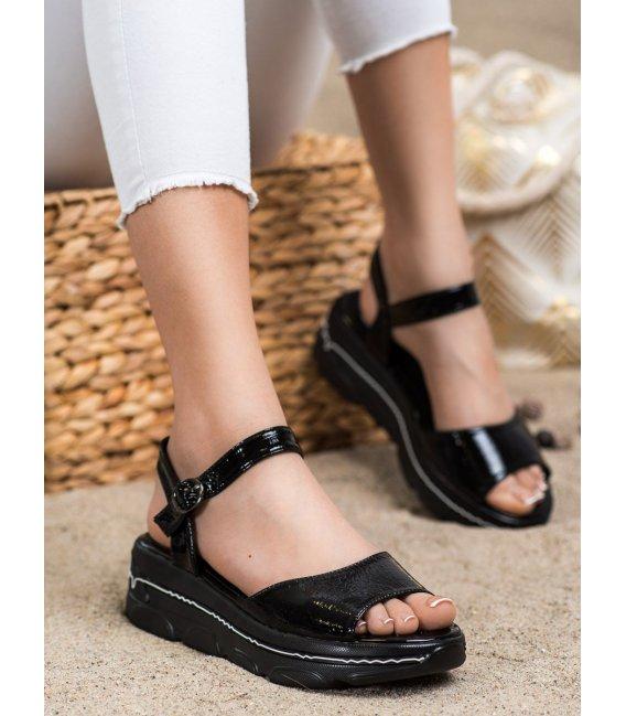 Lakované sandálky na platforme