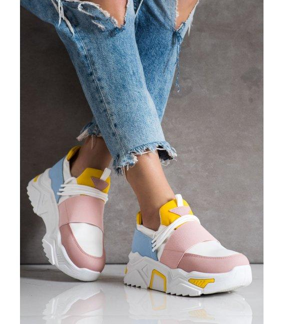 Farebné sneakersy na platforme
