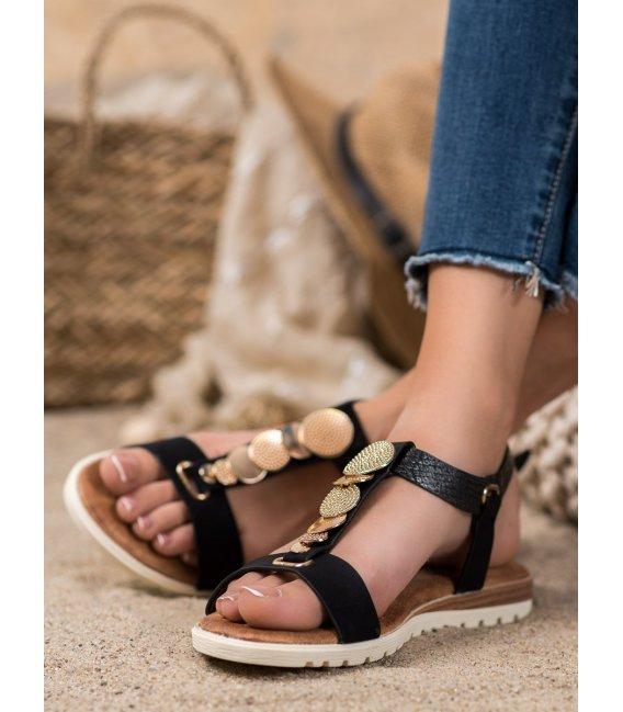 Čierne sandálky s ozdobami