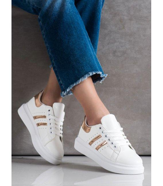Klasické sneakersy s pásmi