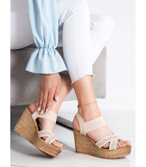 Nazúvacie ľahké sandálky