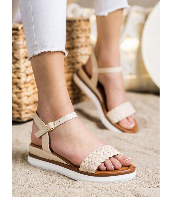 Pohodlné sandálky na nízkom kline