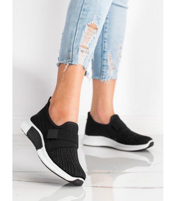 Športové topánky s kamienkami