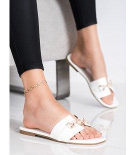 Elegantné šľapky s ozdobou