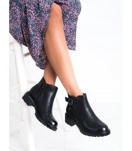 Pohodlné členkové topánky s prackou