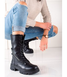 Čierne topánky s ozdobným zipsom
