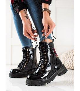 Lakované šnúrovacie topánky