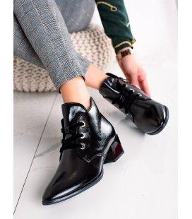 Členkové topánky na nízkom podpätku
